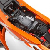 KTM-450-SX-F-Battery-detail